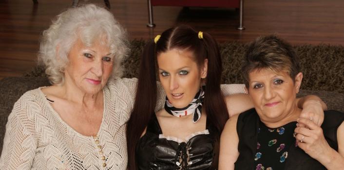 Mature.nl- Horny housekeeper having great fun with 2 hairy grandma_s
