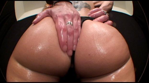 Bigasstease.com- Erin butt fluffing class 101