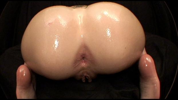 Bigasstease.com- Erin_s open asshole and flexing butt cheeks