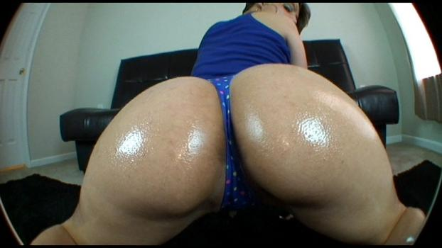Bigasstease.com- She can really move each of her big ass cheeks