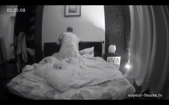 Voyeur-house.tv- Dean-Shy Girl, Rd1,June 23