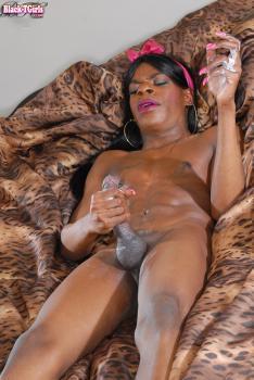 Black-tgirls.com- Alexa Strokes A Load
