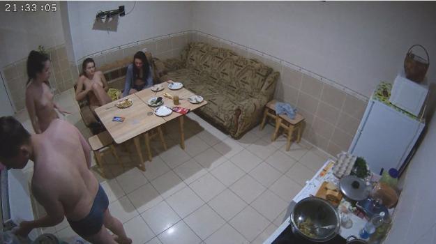 Voyeur-house.tv- Rose talks with lena  katie june 25