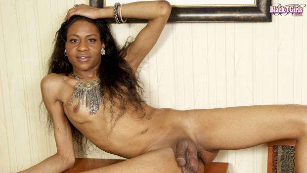 Black-tgirls.com- Leah Strikes A Pose