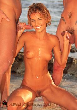 WoodmanCastingx- Dorothe - hard set - beach  2