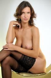 _metart-presenting-suzanna-cover.jpg