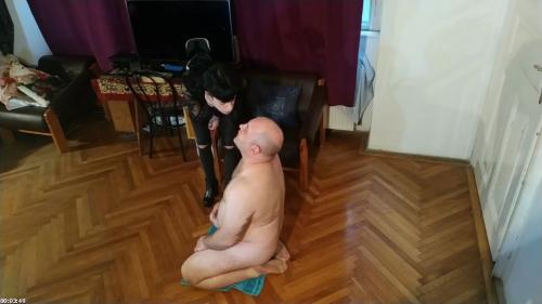 Beth Kinky - Sexy goth domina spitting on her slave's face pt1 HD | Beth Kinky