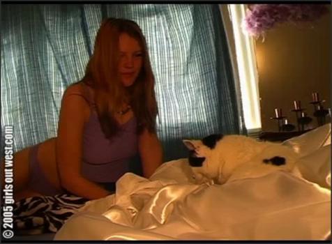 Girlsoutwest.com- Queen Hannah (2)