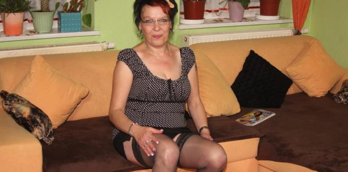 Mature.nl- Mature woman having fun with herself