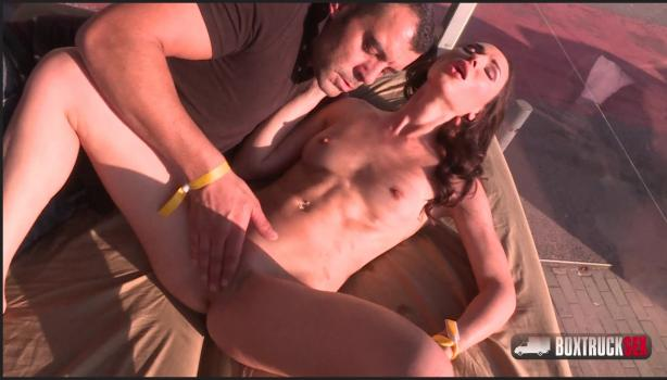 Boxtrucksex.com- Lilu Moon gets invited for a free massage on Erotic Festival