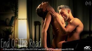 sexart-20-11-13-isabela-de-laa-end-of-the-road.jpg