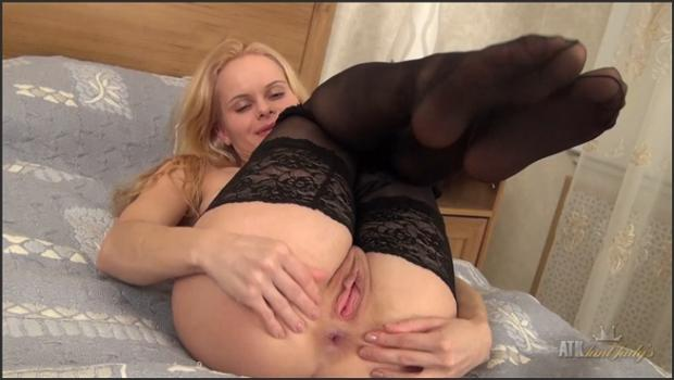 Auntjudys.com- Mature and sexy Suzy plays with lingerie.
