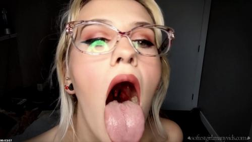 stare into my mouth boys! | Softest Girl