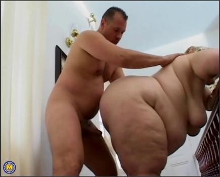 Mature.nl- Big mama getting a face full of cum