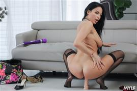 lonemilf-20-10-12-anissa-kate-rather-lonely.jpg