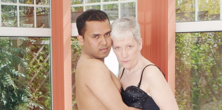 Mature.nl- Young man loves his grannies wet