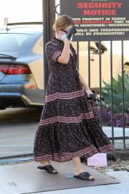 ashley-tisdale-in-dress-arrives-at-a-studio-in-los-angeles-02.jpg